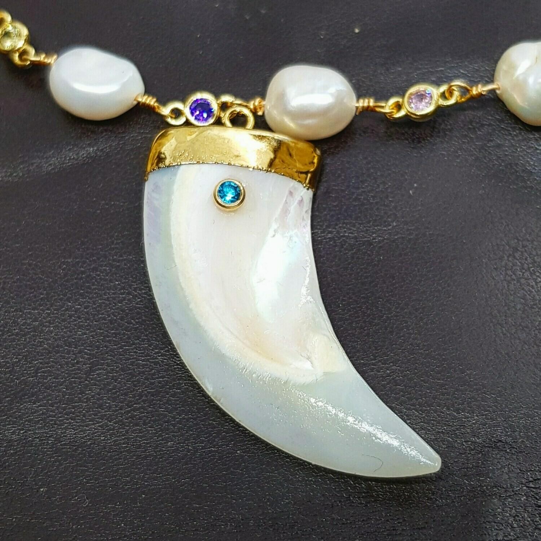 Collar Pearls & tusk