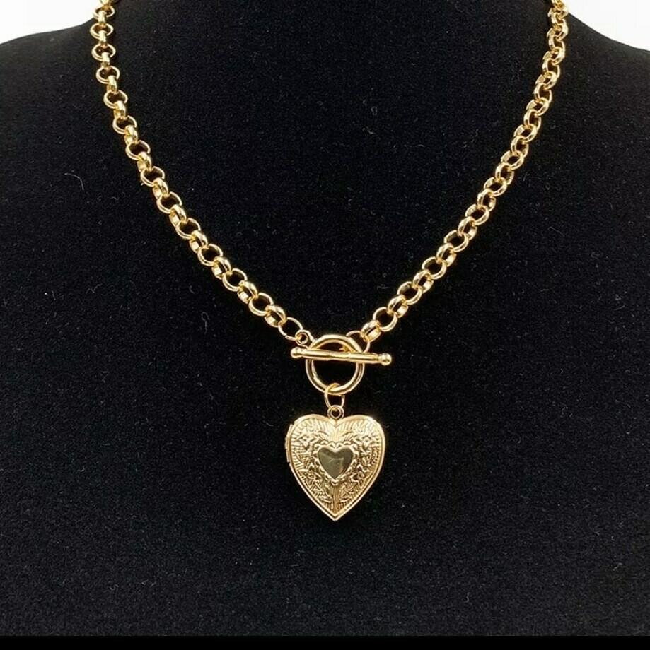 Collar gold heart