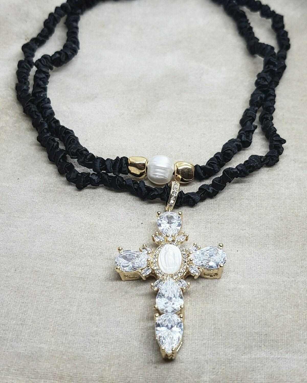 Collar black cross and pearl