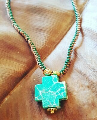Collar Cross Green II