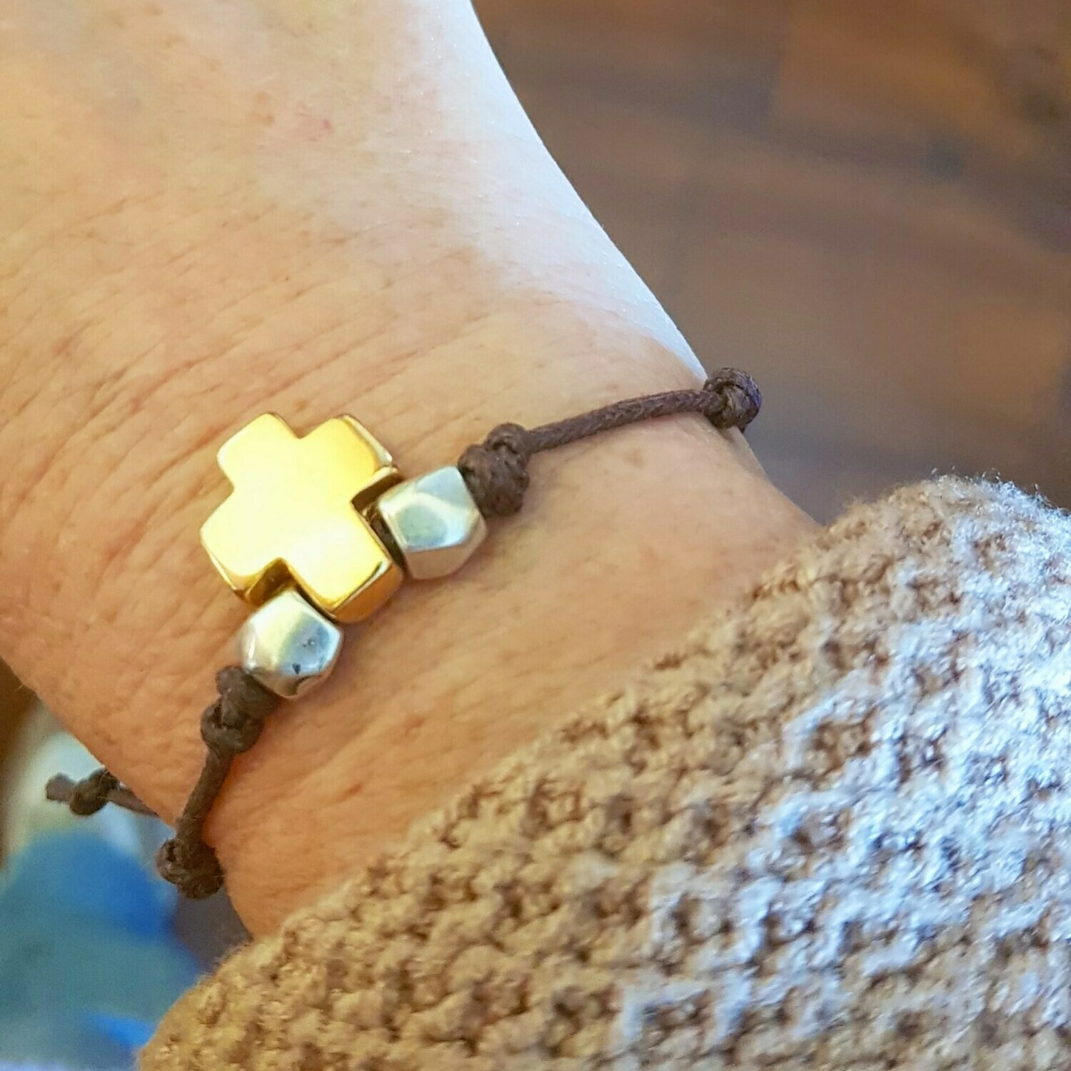 Pulsera cross gold