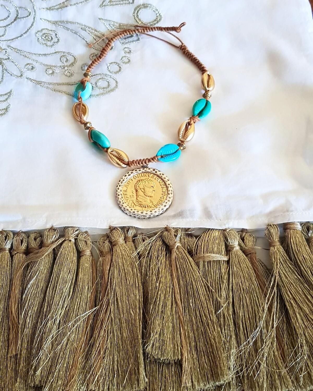 Collar conchas y maxi moneda