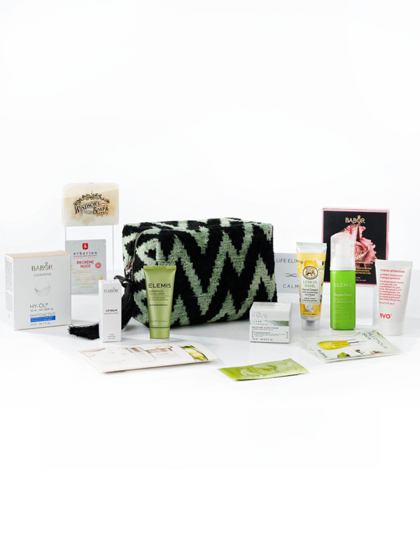 Cosmetic bag with a set of cosmetics