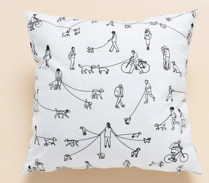 Trendy Pillow Cover: 'Dog Life'