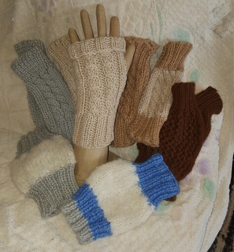 AUTUMN SPECIAL  1/2 price at only $14.99 !! MITTS Australian Alpaca Cable Mittens, fingerless open end. Luxurious soft and cosy warm Aussie designer knits. Normally AU$29.95