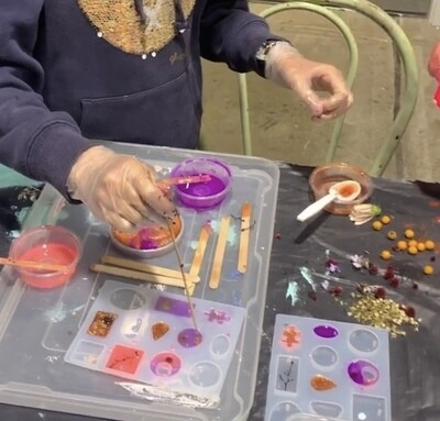Resin Jewellery Workshop - 8th May 10-12pm
