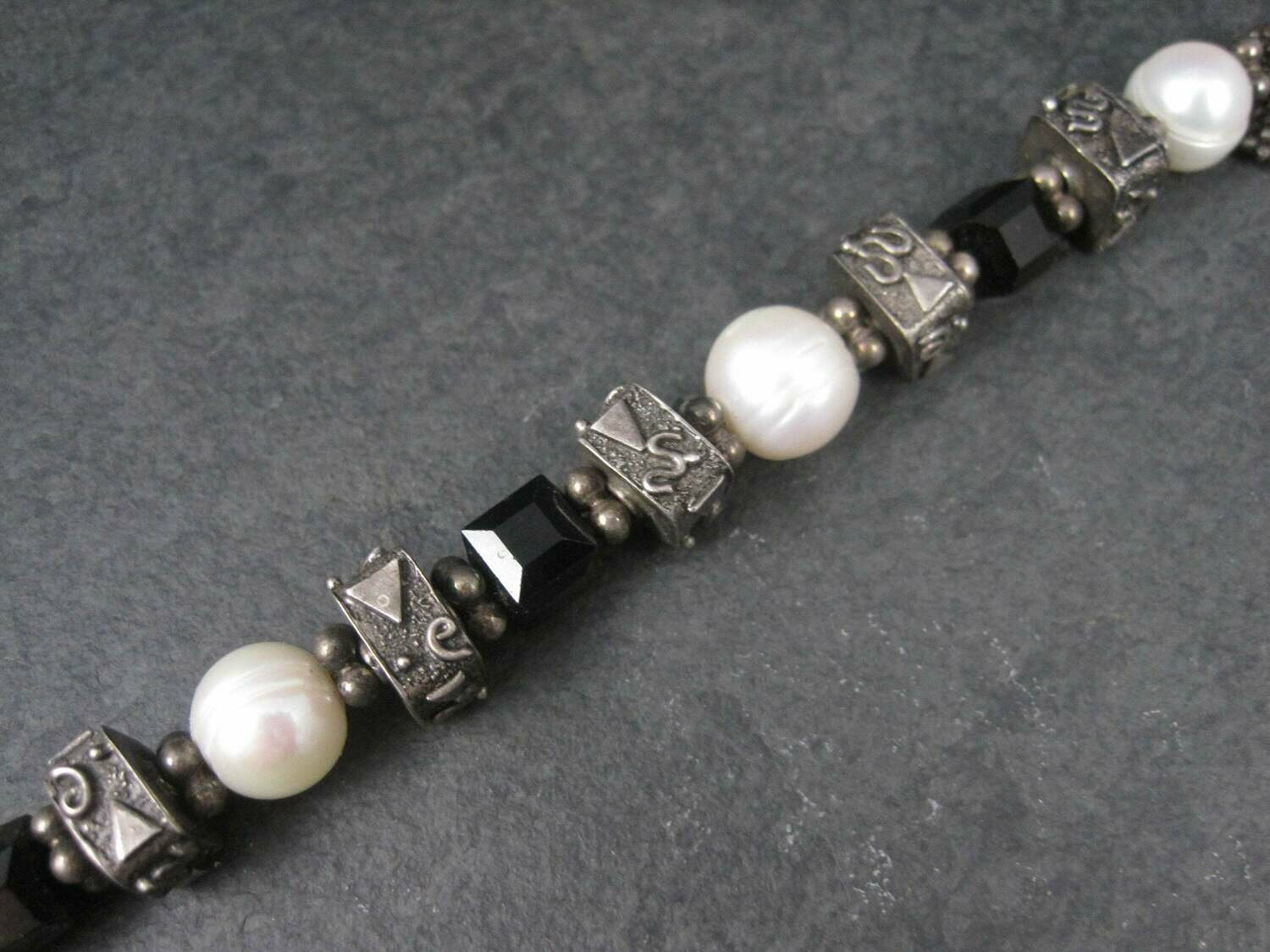 Heavy Vintage Black and White Sterling Pearl Bracelet 7.5 Inches