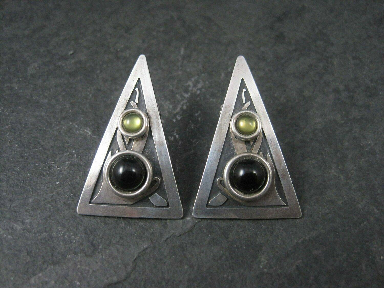 Steve Stamas Sterling Onyx Peridot Triangle Earrings