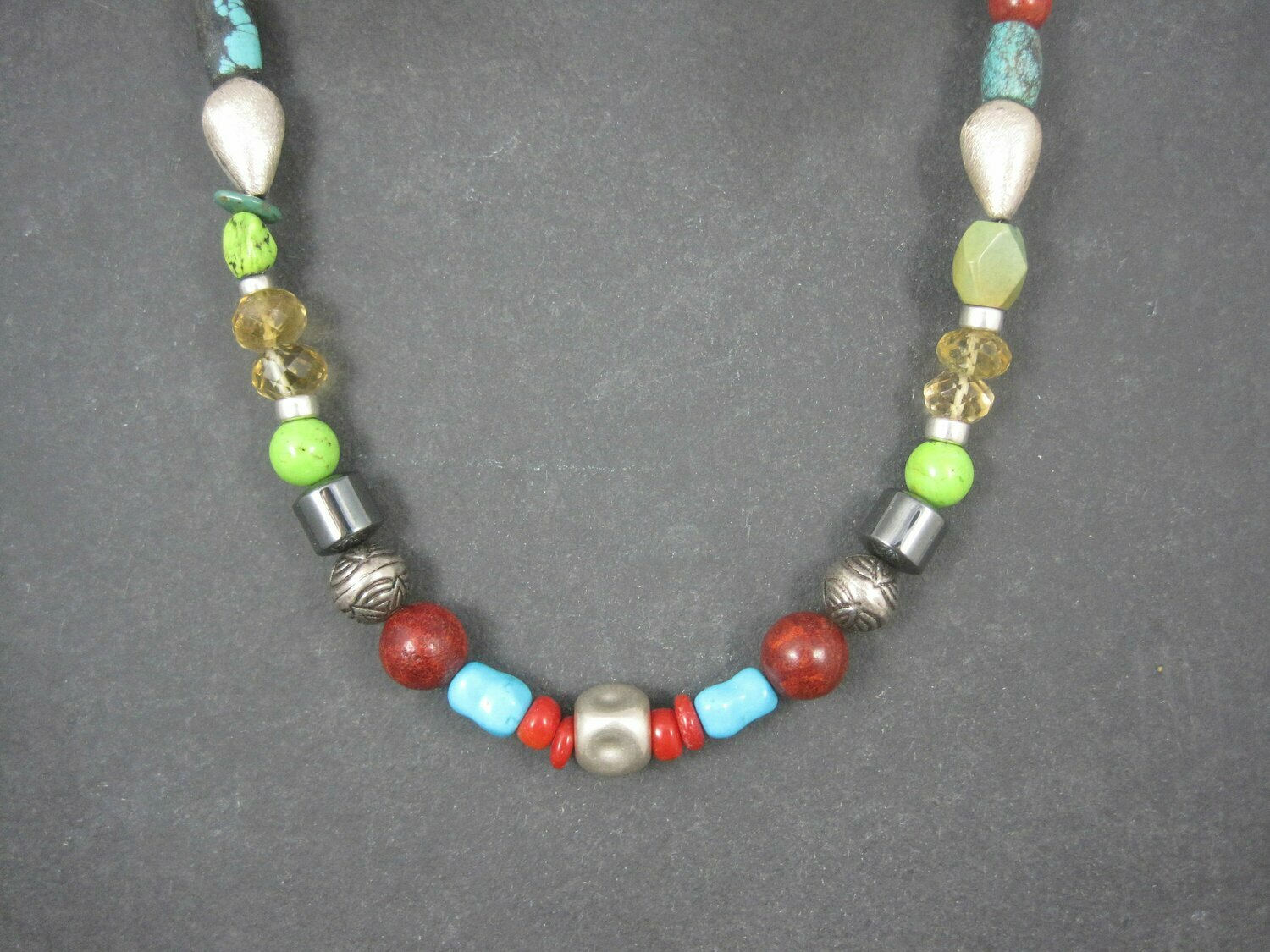 Vintage Southwestern Turquoise Bead Necklace 17.5 Inches