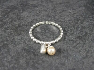 90s Sterling Heart Pearl Charm Ring Size 7