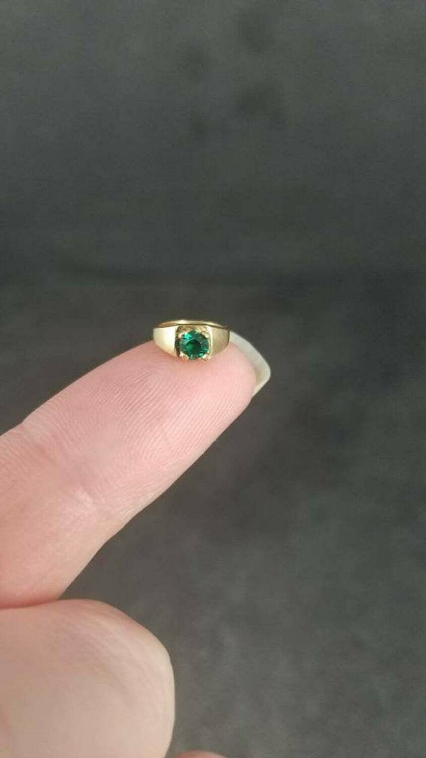 Estate 14K Emerald Birthstone Ring Charm