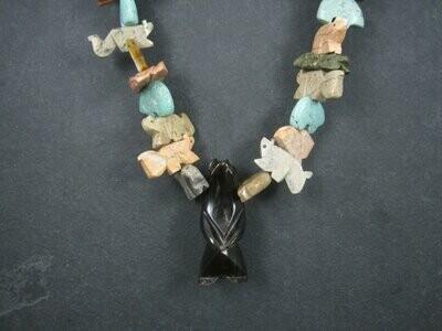 Vintage 1970s Zuni Carved Fetish Bear Necklace 32 Inches