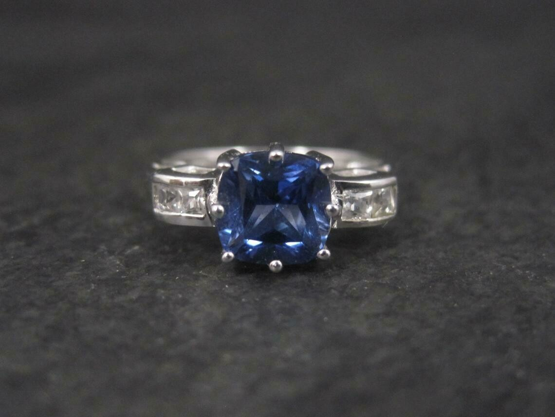 Estate 10K Sapphire Colored Blue Topaz Ring Size 7