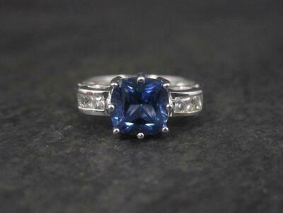 Estate 10K Sapphire Colored Blue Topaz Ring Size 7
