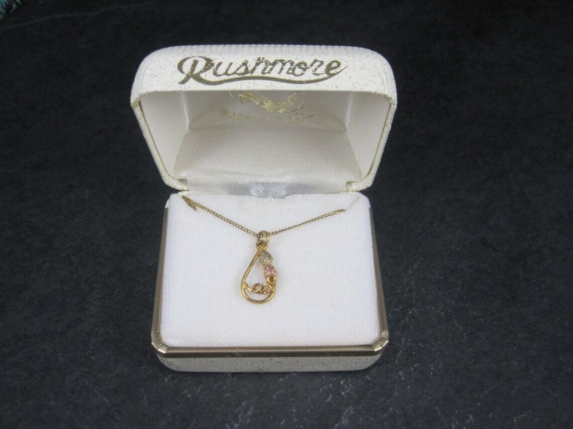 Small Vintage 10K Black Hills Gold Pendant Necklace