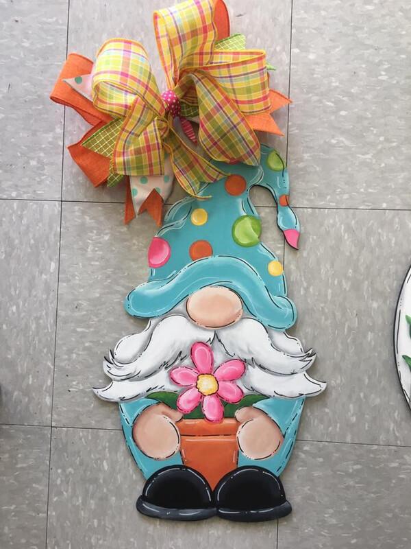 DIY Gnome Door Hanger Cutout