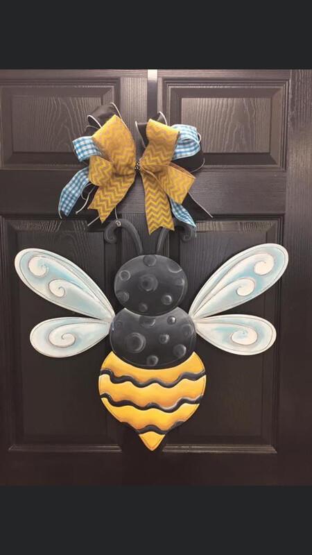 DIY Bumblebee Door Hanger Cutout