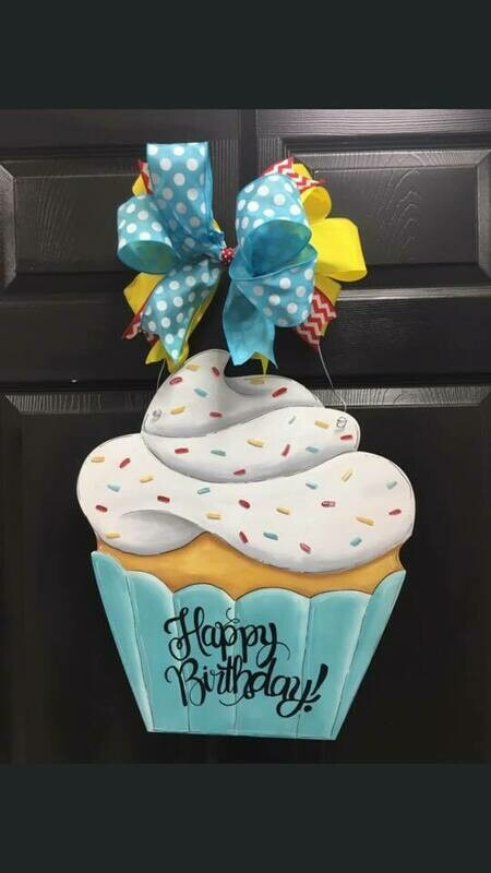 DIY Cupcake Door Hanger Cutout