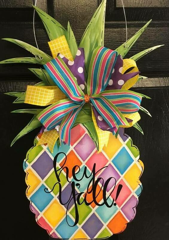 DIY Pineapple Door Hanger Cutout