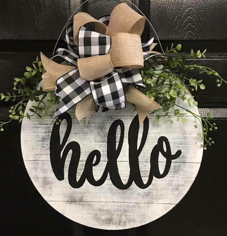 Distressed Greeting Circle