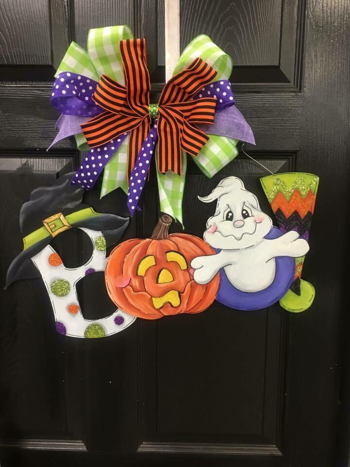 """DIY """"BOO"""" with ghost Door Hanger Cutout"""