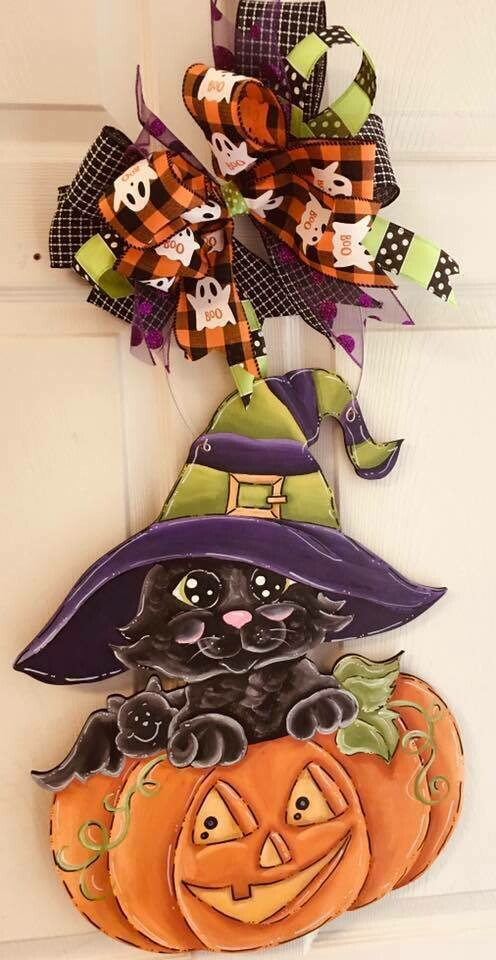 Pumpkin w/ Cat Door Hanger