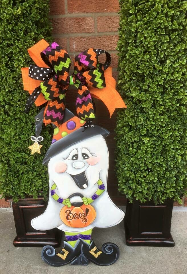 Ghost w/ Witch Hat Door Hanger