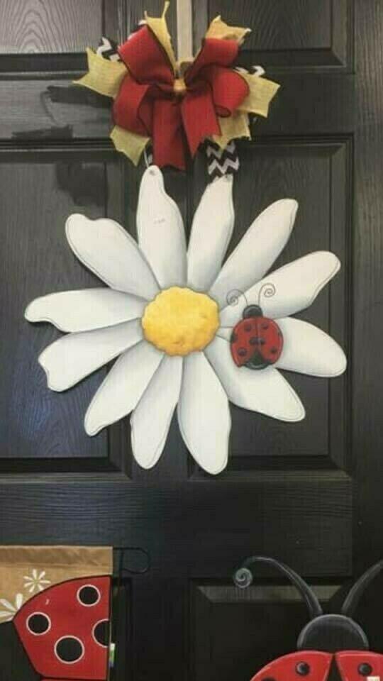 Daisy w/ Ladybug Door Hanger
