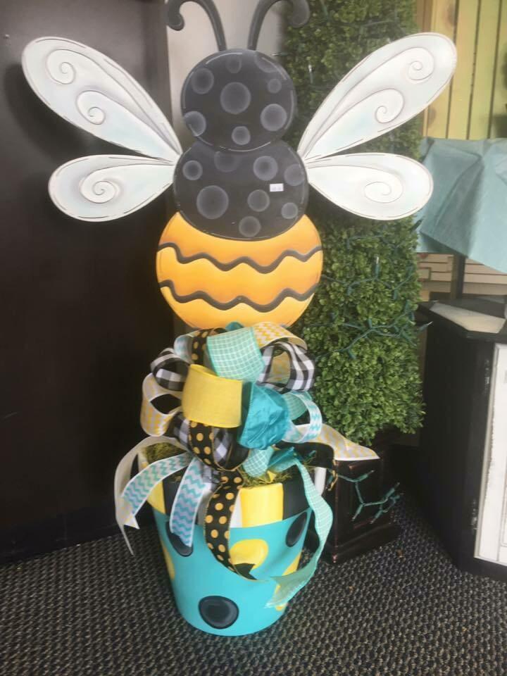 Bumblebee Flower pot