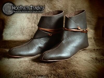 Boots from Haithabu, Type 15 (Reconstruction)