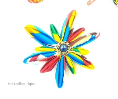 Star flower with vintage button centre in kente print | kanzashi flower pin | flower hair clip | flower brooch | clothing accessories