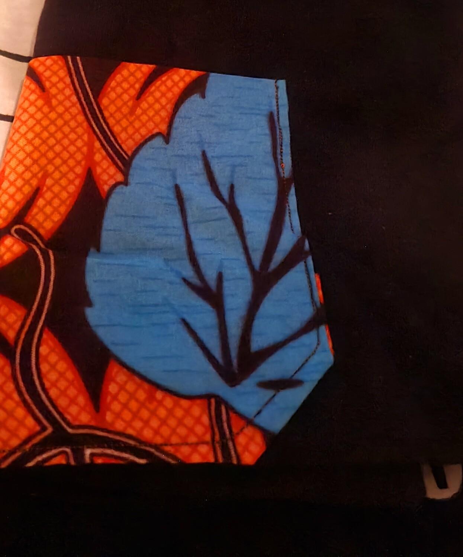 Leaves T-shirt and chokoto Black