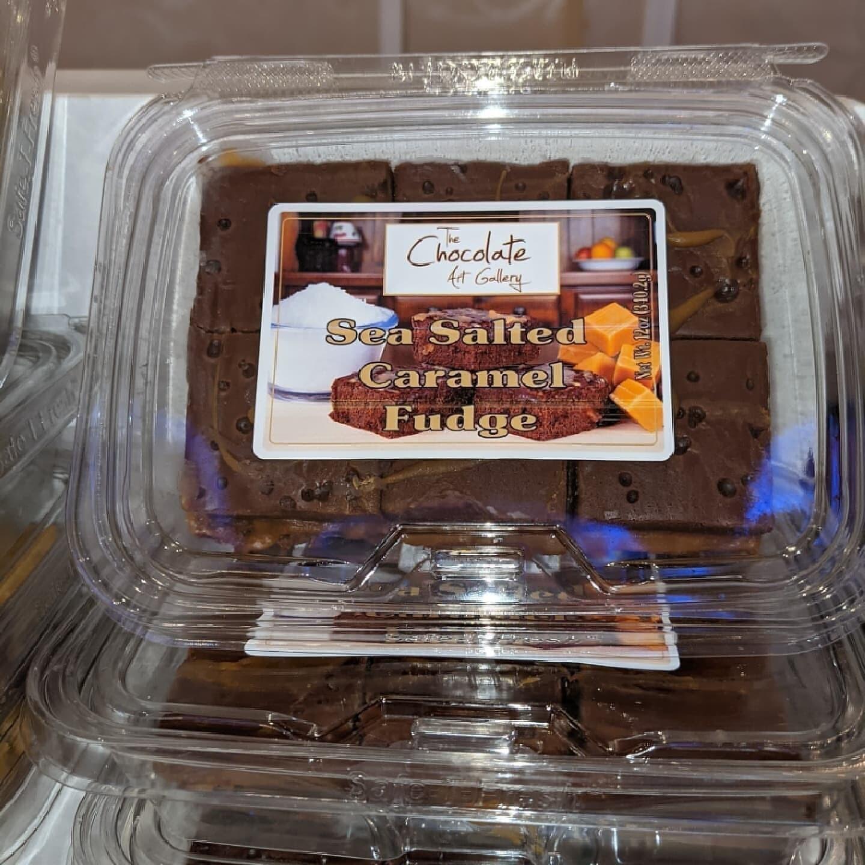 Caramel Sea Salt Chocolate Fudge (12 oz)