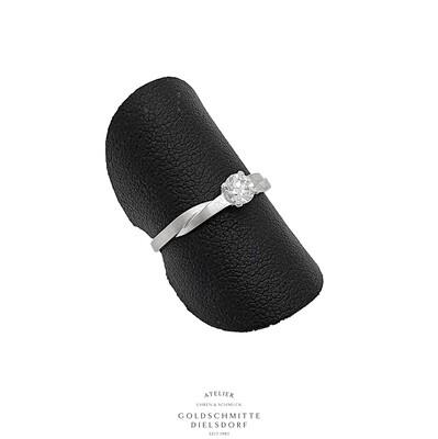Solitär Ring mit 1 Brillant Weissgold 750