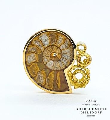 Anhänger Gelbgold 750 mit Ammonit