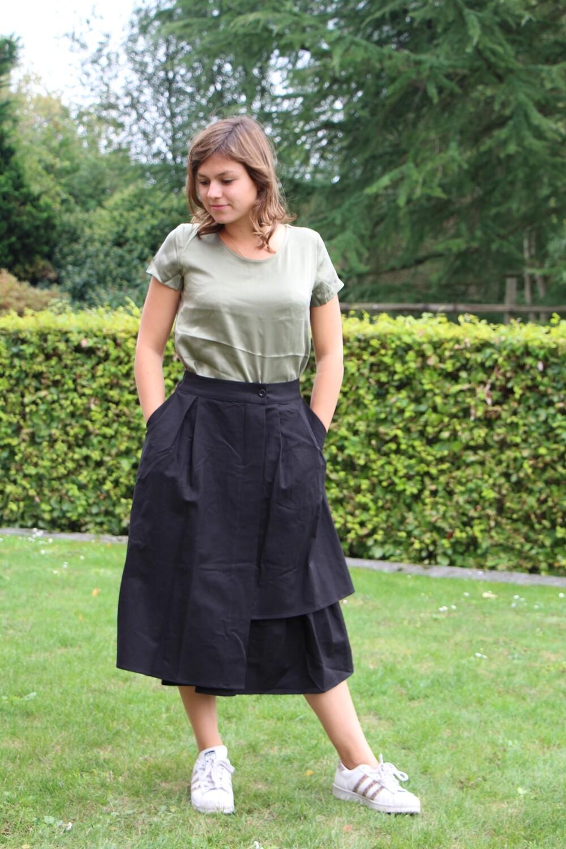 Half-long skirt