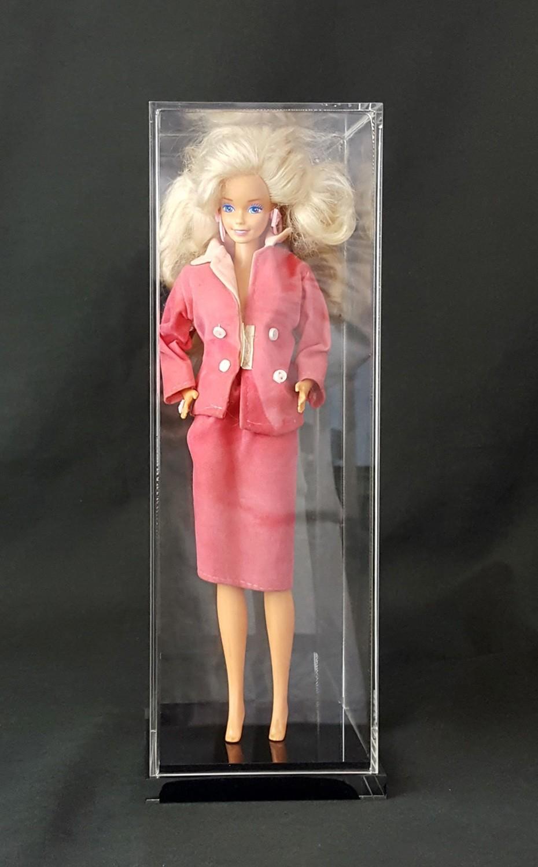Teca per Barbie ®, action figure - comiquette - bambola - bottiglia, statue cm. 10,8 x 10,8 x H.32,5