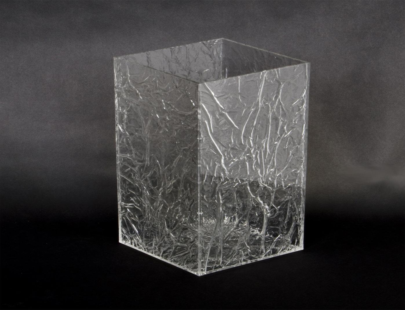 """Gettacarte - cestino in plexiglass trasparente """"ghiacciato""""."""