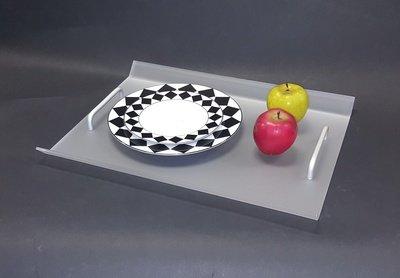 Vassoio in plexiglass satinato con manici alluminio. Cm. 49,5x30xH. 10