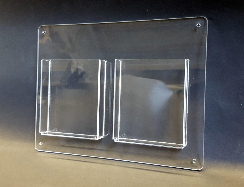Porta brochure da muro in plexiglass a due tasche - cm. L. 35 x H. 27 - 2 pezzi