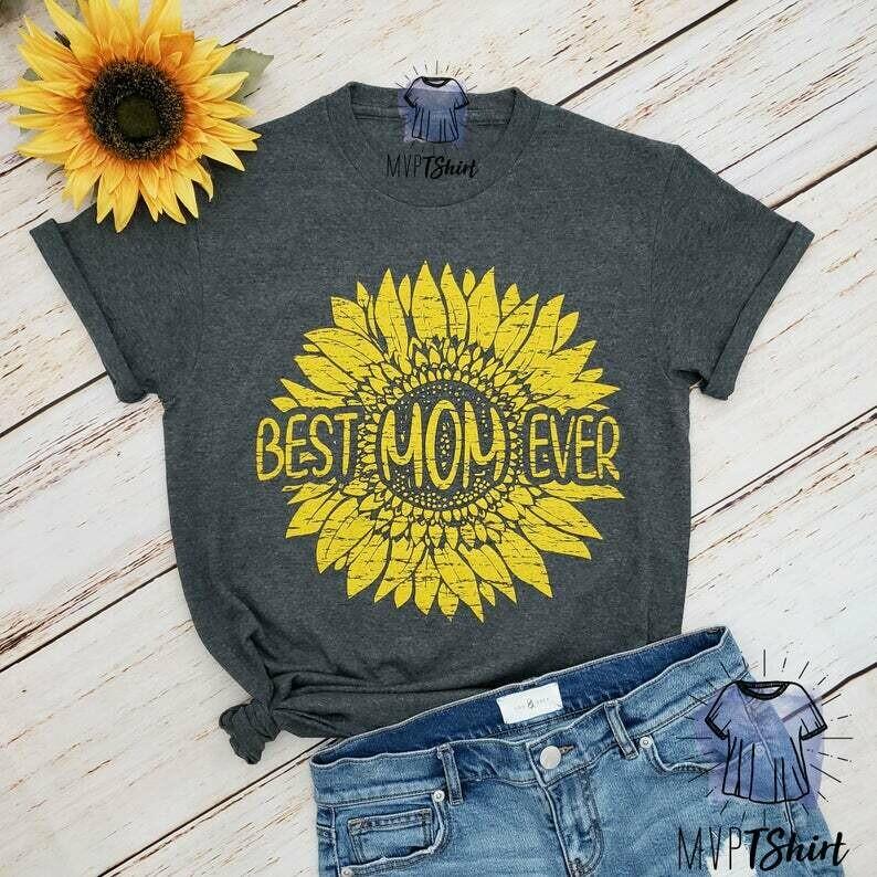 Best Mom Ever Tshirt, Mom Shirt, Mom life Tee, Cute Mom Shirt, Mother's Day Shirt, Wife Gift, New Mom Shirt, Pregnancy Announcement, Mom Tee