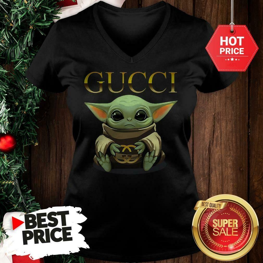 Like Baby Yoda Hug Gucci Classic Logo Gucci, Gucci Shirt, Gucci T-shirt, Gucci Logo, Gucci Fashion shirt, Fashion shirt, Gucci Design shirt,Snake Gucci vintage shirt