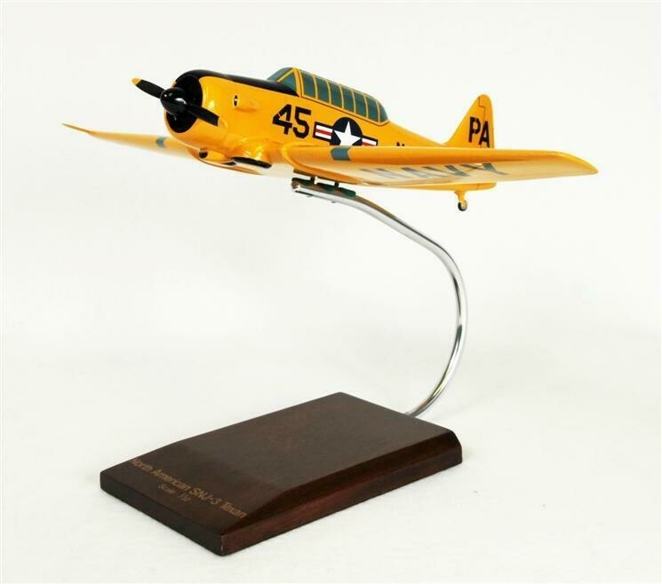 North American Aviation SNJ-3 Texan (Navy) 1/32 Scale Model Aircraft