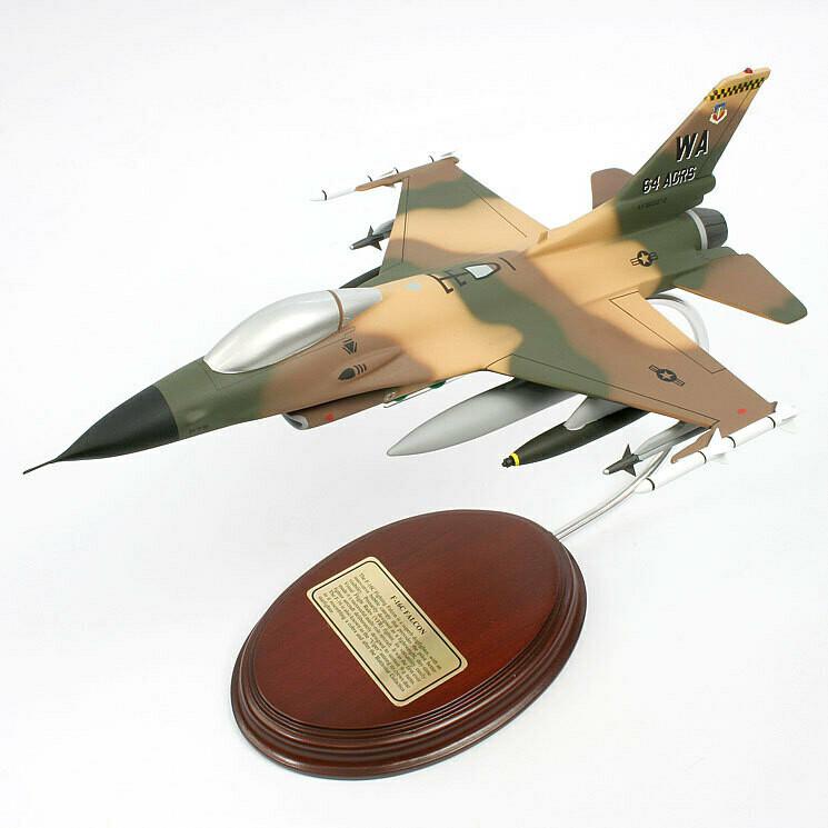 General Dynamics F-16C Fighting Falcon 1/49 Desktop Model Airplane