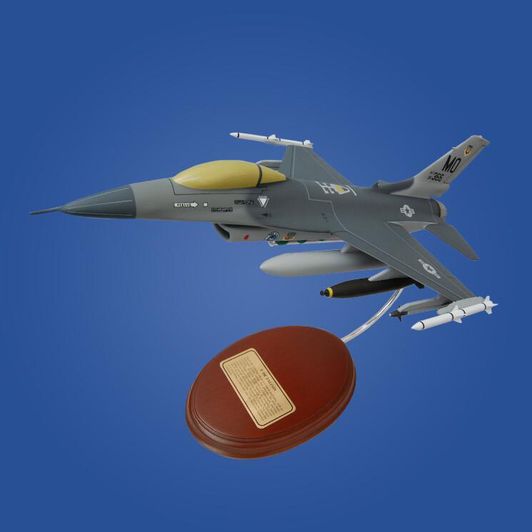 General Dynamics F-16 Fighting Falcon (USAF) 1/49 Desktop Model Aircraft