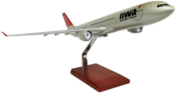 A330-300 Northwest 1/100 Model Aircraft