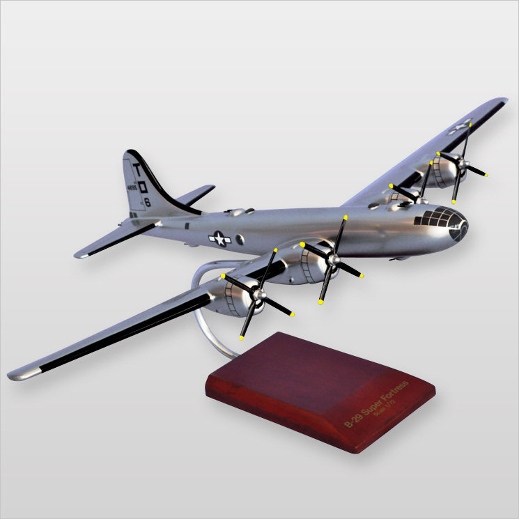 """B-29 Superfortress 'Lucky 'Leven"""" 1/72"""
