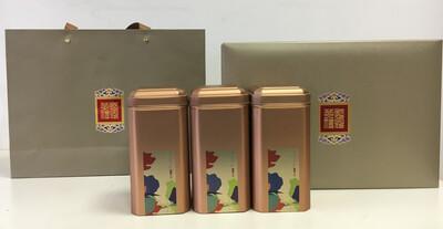 202099 Подарочный набор:сумка+коробка 22*32*9 картон+3 банки жесть высота 16, диаметр 7,5. Золотой.