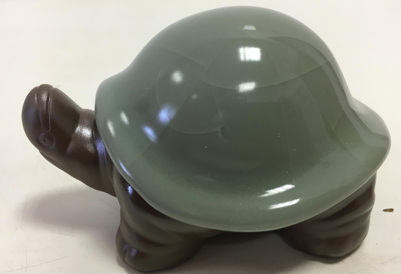 242085-1 Фигурка СЕЛАДОН+глина. Черепаха. Размер 7,5см х 10см