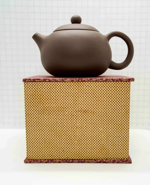 "259009 Чайник ИСИН ""Красавица Сиши"" 300мл, глина коричневый"